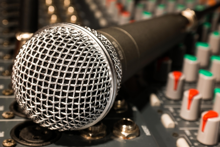 - microphone.jpg